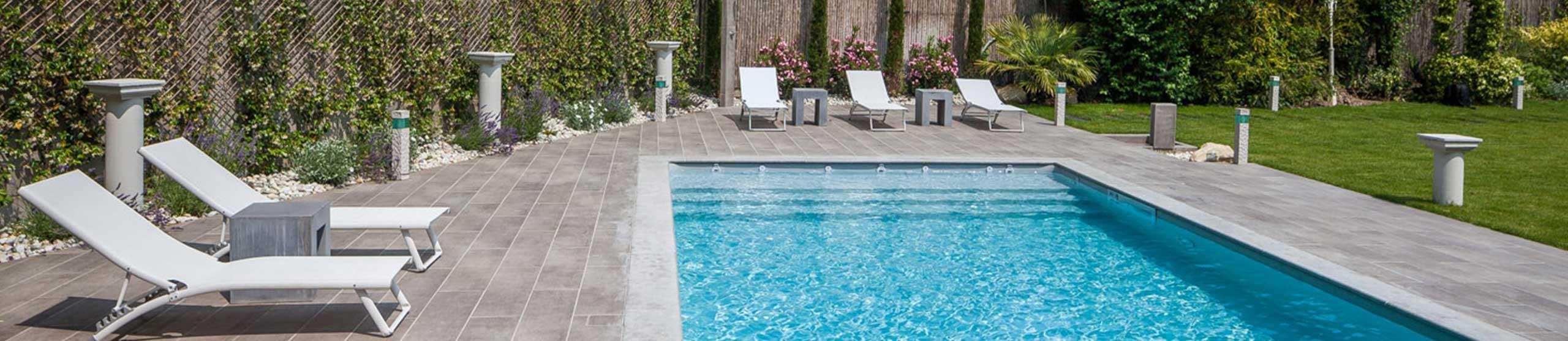 Nos procédés de construction modulaires vous font bénéficier: d'une piscine en béton au prix du synthétique ! Grand choix de possibilités pour tous les goûts !